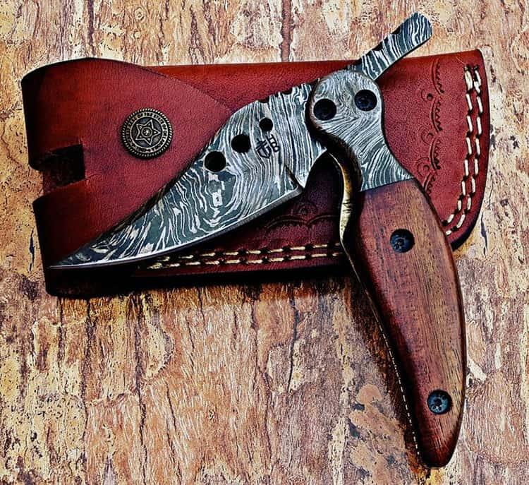 custom damascus steel pocket knife