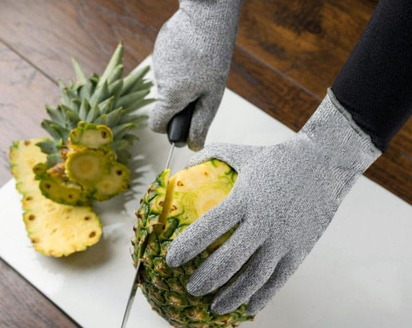 knife cutting with kevlar gloves
