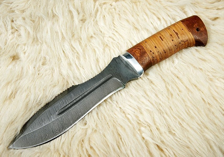 Spear Point Knife: Is it the best skinning knife?