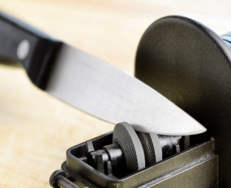 What to look for in an electric knife sharpener