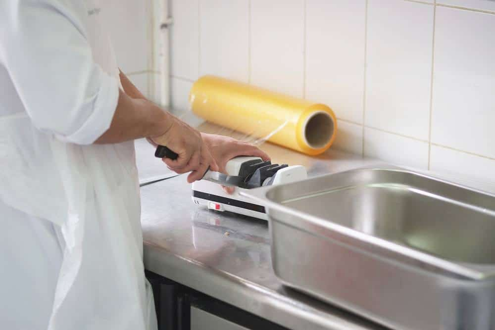 Caring for your electric knife sharpener