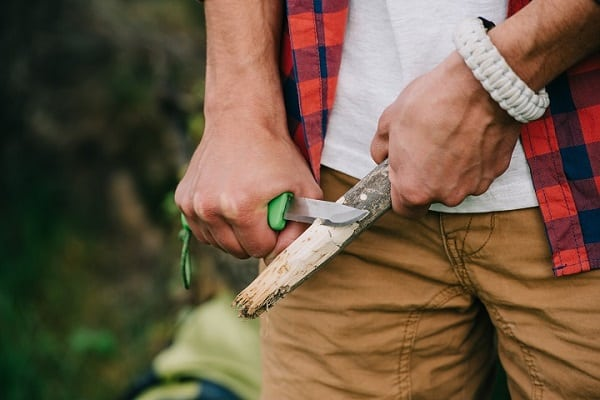 What Makes a Good Camp Knife?