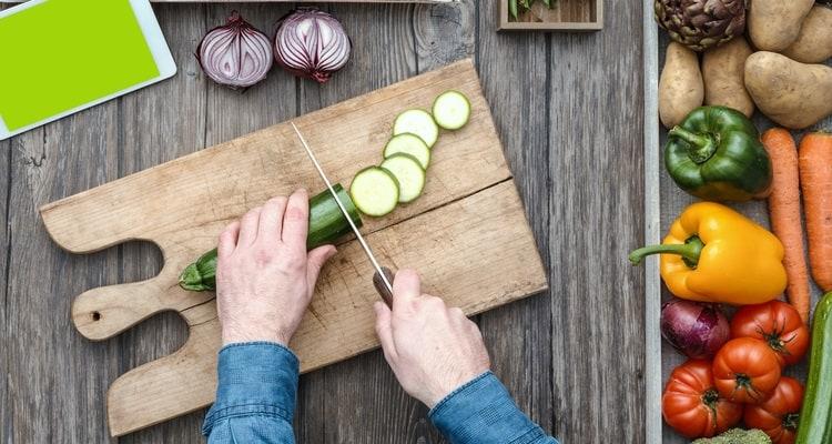 Nakiri vs Bunka: Which Is Better for Cutting Vegetables?