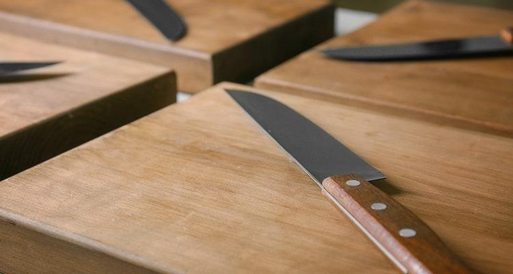 Nakiri vs Kiritsuke: Which Is Better for Chopping Veggies?